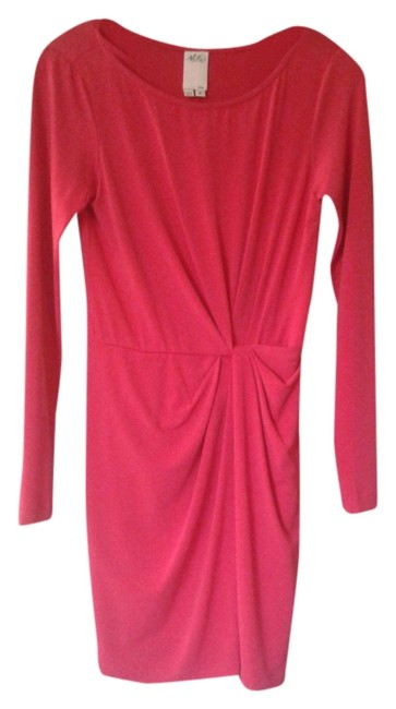 Preload https://item2.tradesy.com/images/coral-above-knee-night-out-dress-size-2-xs-4068841-0-0.jpg?width=400&height=650
