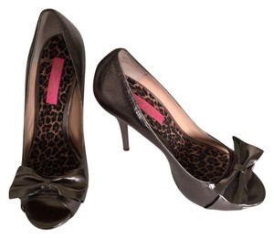 Betsey Johnson Metallic Bronze Pumps