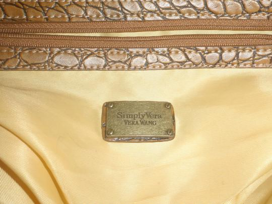 Simply Vera Vera Wang Purse Shoulder Satchel Tote in Cream / Brown