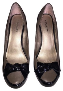 Kenneth Cole Black & Lt. brown Wedges