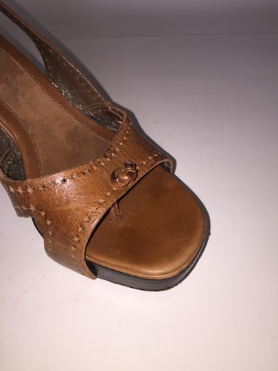 Diane von Furstenberg Size 5.5 Tan Leather Sandals