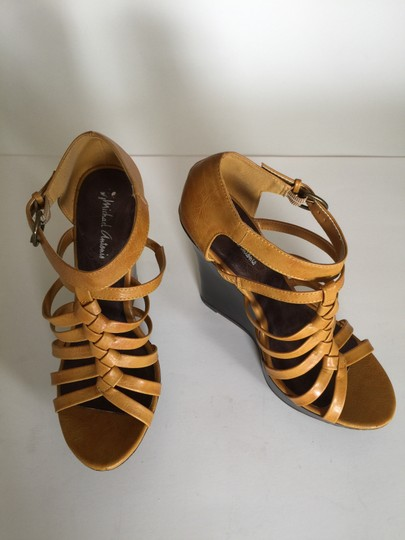 Michael Antonio Size 7 Terra cotta Wedges