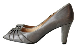 Modern Vintage Peep Toe Leather gray Pumps
