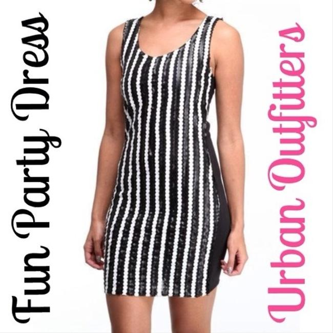 Urban Outfitters Top Black, White