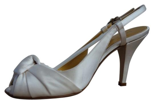 Preload https://item1.tradesy.com/images/jcrew-ivory-martine-satin-heels-formal-shoes-size-us-55-regular-m-b-40795-0-0.jpg?width=440&height=440