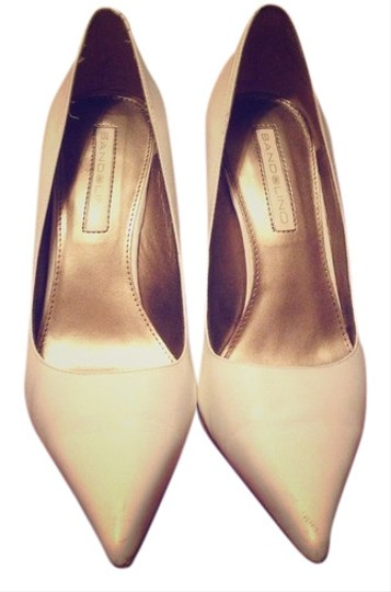 Preload https://item2.tradesy.com/images/bandolino-white-pointed-toe-stiletto-pumps-size-us-8-408001-0-0.jpg?width=440&height=440