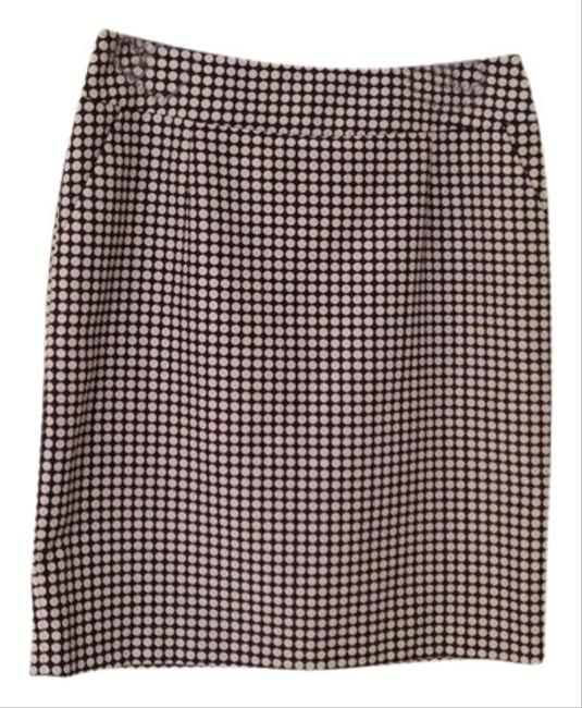 Preload https://img-static.tradesy.com/item/408042/tahari-navy-and-white-pencil-polka-dot-knee-length-skirt-size-8-m-29-30-0-0-650-650.jpg