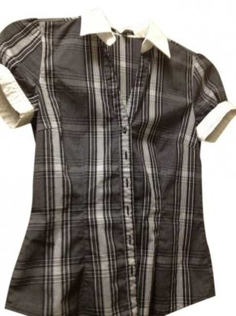Preload https://item2.tradesy.com/images/express-black-and-white-short-sleeved-blouse-size-0-xs-40806-0-0.jpg?width=400&height=650