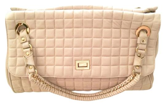 Preload https://item3.tradesy.com/images/bcbgmaxazria-weekend-beige-leather-weekendtravel-bag-4083352-0-0.jpg?width=440&height=440