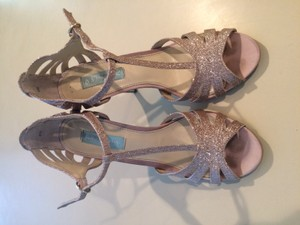 Betsey Johnson Champagne Sandals Size US 8.5 Regular (M, B)
