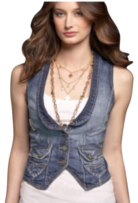 Preload https://item4.tradesy.com/images/guess-blue-jean-wash-vest-size-4-s-4086418-0-0.jpg?width=400&height=650