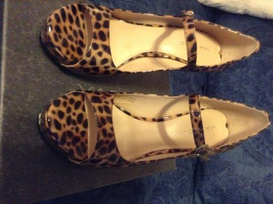 Via Spiga leopard print patent leather Pumps