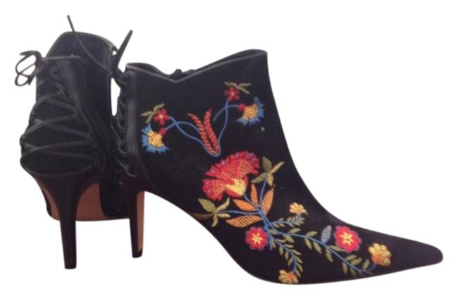 Item - Black Small Feet Embroidered Boots/Booties Size US 5.5