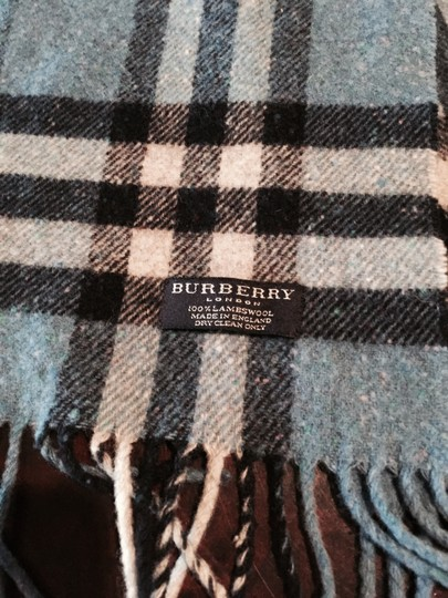 Burberry Authentic Burberry Scarf/Shawl 100% Lambswool