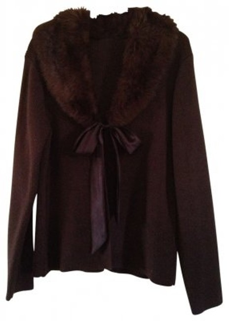 Preload https://item4.tradesy.com/images/croft-and-barrow-brown-sweater-with-fur-collar-removable-size-16-xl-plus-0x-40948-0-0.jpg?width=400&height=650