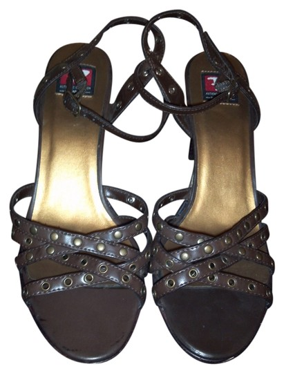 Preload https://item5.tradesy.com/images/rampage-brown-sandals-size-us-85-regular-m-b-4095229-0-0.jpg?width=440&height=440