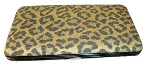 Avatar Imports Women's Flat Clutch Wallet Hard Case - Gold Leopard.