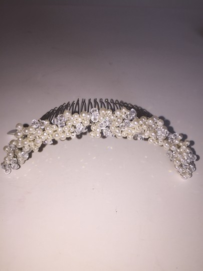 Preload https://item3.tradesy.com/images/ivory-silver-comb-swarovski-crystals-lisa-hairpiece-hair-accessory-4095877-0-0.jpg?width=440&height=440