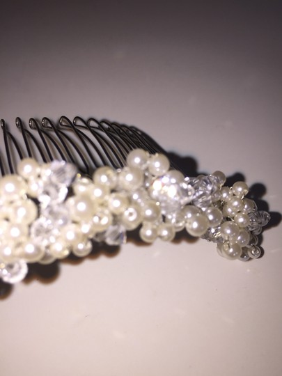 """Ivory Silver Comb Swarovski Crystals """"Lisa"""" Hairpiece Hair Accessory"""
