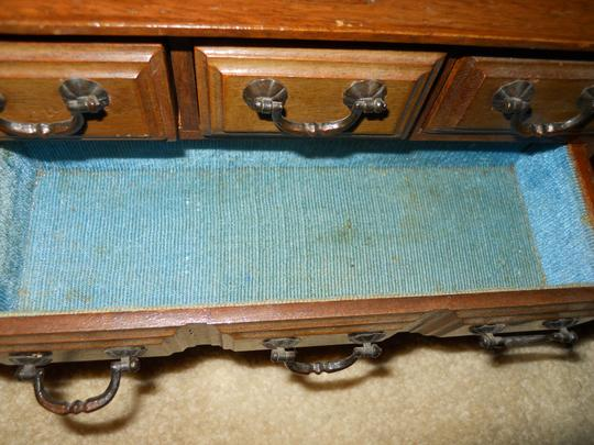 apco Vintage wooden music jewelry chest