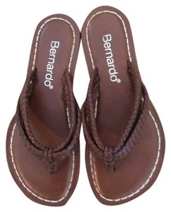 Bernardo Dark Brown Sandals