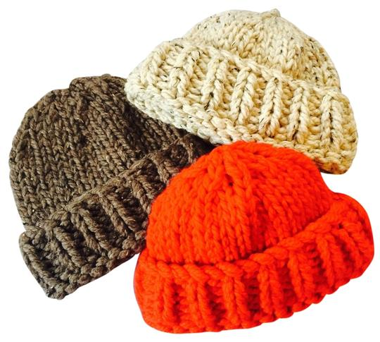 Preload https://item4.tradesy.com/images/red-taupe-or-off-white-w-brwn-and-blck-specks-super-beanie-hat-4098523-0-1.jpg?width=440&height=440