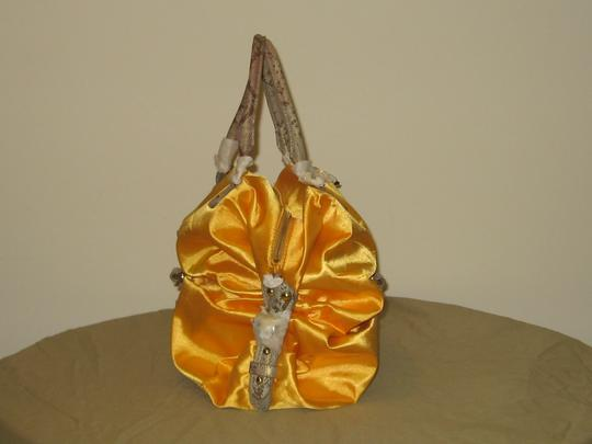 Maxx New York Tote in goldess yellow