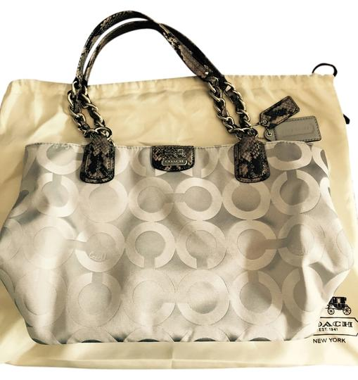 Coach Tote in Silver-grey