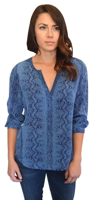 Preload https://item1.tradesy.com/images/joie-navy-purine-j156-24179-blouse-size-2-xs-4103170-0-0.jpg?width=400&height=650