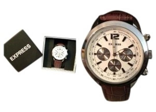 Preload https://img-static.tradesy.com/item/41060/express-brown-mens-chronograph-leather-strap-watch-0-0-540-540.jpg