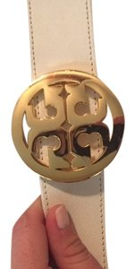 Tory Burch Tory Burch Reversible Robinson Belt- White with Black Patent 12155216