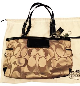 Coach Tote in Khaki/Brown