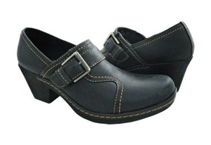 Clarks Freesia Isle Womens Slip On Loafers Black Leather 34966 Med (1 3/4 in. to 2 3/4 in.) Flats