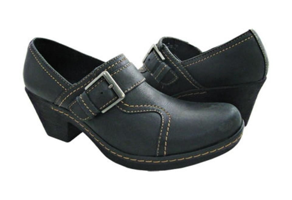 7bdcf7465968 Clarks Freesia Isle Womens Slip On Loafers Black Leather 34966 Med (1 3 4  ...