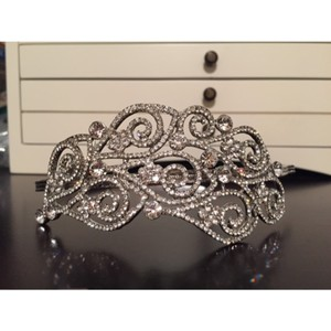 Elegance by Carbonneau Antique Silver Crystal Side Accented Headpiece Hair Accessory