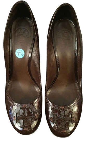 Preload https://item3.tradesy.com/images/tory-burch-brown-wedges-size-us-75-regular-m-b-4113472-0-0.jpg?width=440&height=440