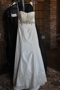 Allure Bridals Ivory Rum Silver 8605 Vintage Wedding Dress Size 8 (M)