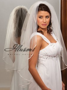 Illusions Bridal Ivory Fingertip Veil With Ribbon Edge