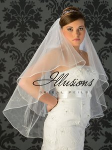 Illusions Bridal Ivory Veil With Corded Edge #7019