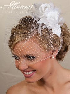 Illusions Bridal Birdcage With Flower