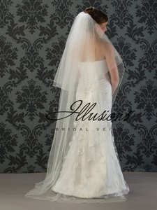 Illusions Bridal Long Two-layer Corded Edge Veil
