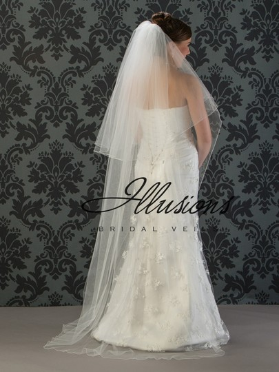 Illusions Bridal Ivory Long Bridal Veil