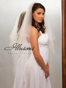 Illusions Bridal Ivory Veil With Pearls Edge