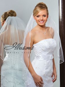 Illusions Bridal Two-layer White Veil With Ribbon Edge