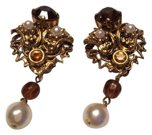 Amber color glass stones with faux pearls gold tone