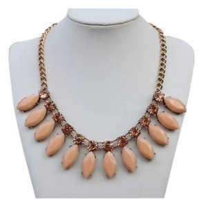 STATEMENT NECKLACE - CHUNKY LT. PINK -
