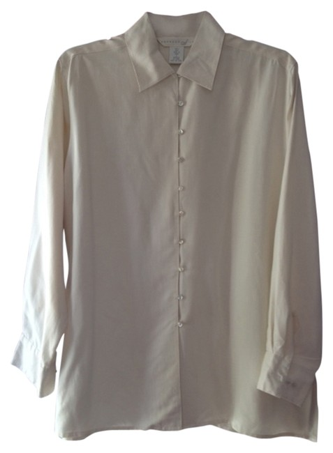 Preload https://item4.tradesy.com/images/express-cream-button-down-top-size-6-s-4117903-0-0.jpg?width=400&height=650