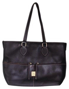 Dooney & Bourke Tote in Black