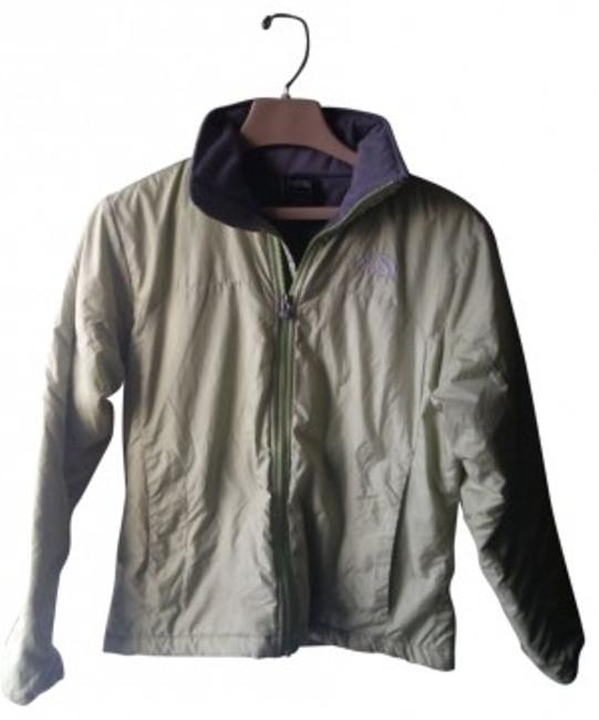 Preload https://item1.tradesy.com/images/the-north-face-light-green-with-grey-fleece-lining-puffyski-coat-size-6-s-41190-0-0.jpg?width=400&height=650