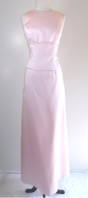 Item - Light Pink Satin Style Casual Bridesmaid/Mob Dress Size 6 (S)